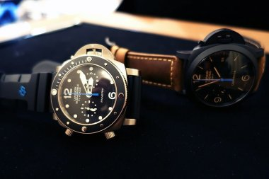 sihh-2015-panerai-pam615-submersible-chrono-flyback-w-ceramic-bezel-live-pictures