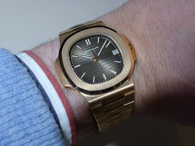 a-wristshot-of-the-57111r