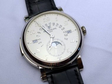 hands-on-review-of-the-patek-5213g