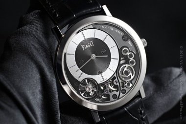 comparison-review-piaget-altiplano-38mm-900p-vs-calibre-de-cartier-diver-which-watch-to-pick