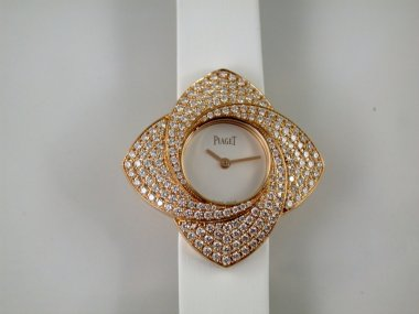 the-piaget-limelight-blooming-rose-goa39183