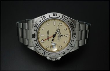 rolex-explorer-ii-16550-rail-dial-the-moon-is-creamy