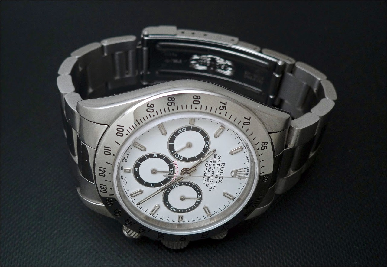 e0694084165 Rolex - Sunday Picture  Rolex Daytona 16520 from 1997.