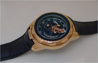 ulysse-nardin-freak-cruiser-or-diavolo-phantom