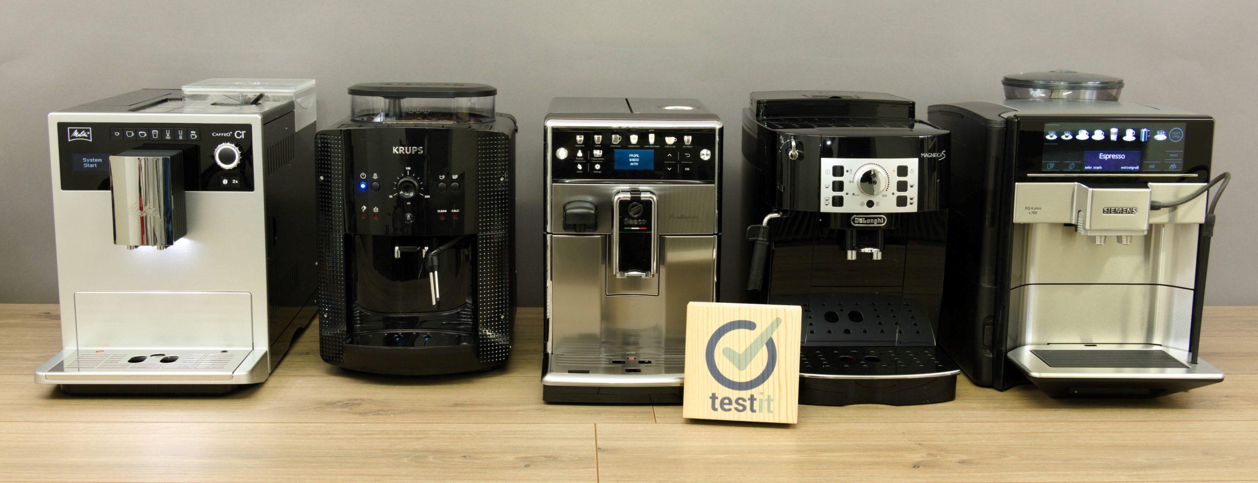 Alle getesteten Kaffeevollautomaten in einer Reihe