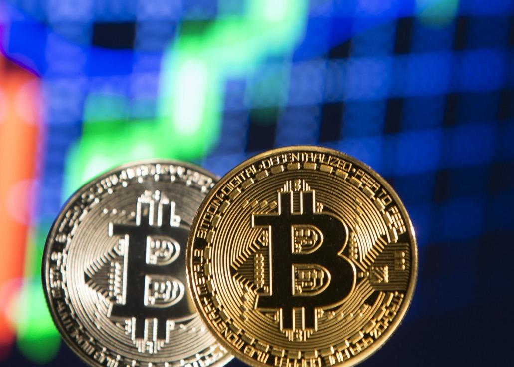 Druhá vlna přeje bitcoinu, cena kryptoměny atakuje letošní maximum