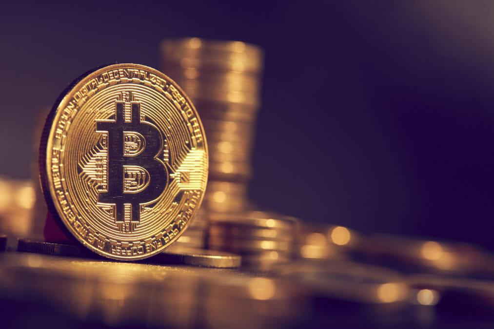 Bitcoin je nejdražší za víc jak 2,5 roku. I Češi s ním obchodují častěji