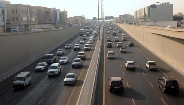 Qatar expected to have 912,000 cars by 2020
