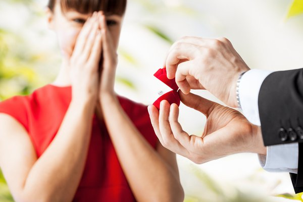 Dicas de looks para arrasar no noivado!