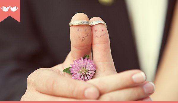 Escolhendo alianças de casamento
