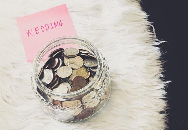 6 maneiras de economizar com o seu casamento