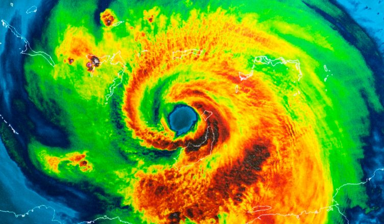Hurricane Irma Heads for Florida: Here's What Fleet Managers Should Know