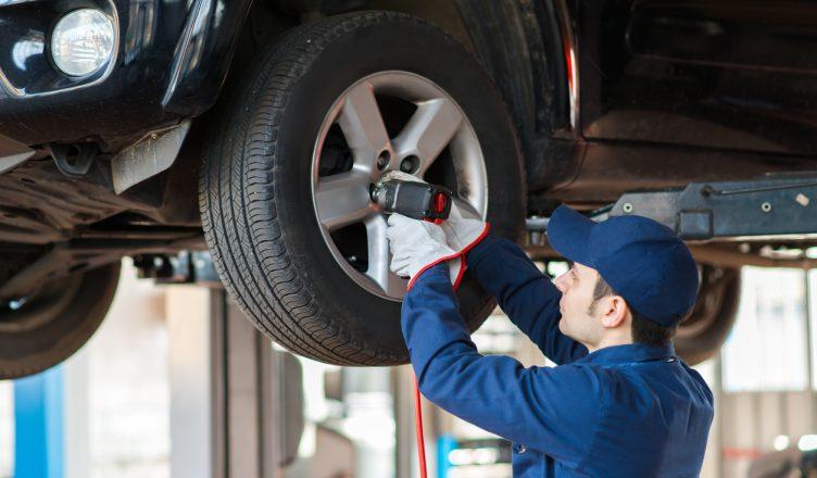 How Scheduling Preventive Maintenance Helps Reduce Roadside Vehicle Breakdowns