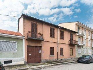 Foto 1 di Casa indipendente via Adige 16, Torino (zona Barriera Milano, Falchera, Barca-Bertolla)