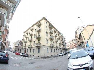 Foto 1 di Trilocale via Monza 9, Torino (zona Valdocco, Aurora)