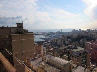 Foto 1 di Appartamento Via Casartelli, Genova