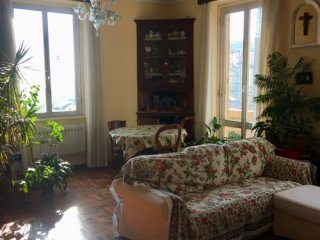 Foto 1 di Appartamento via Ausonia, Genova