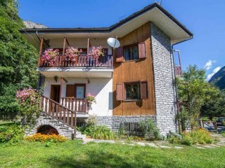 Foto 1 di Villa strada Regionale di Cervinia, Antey Saint Andrè