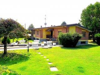 Foto 1 di Villa via IV NOVEMBRE, Robassomero