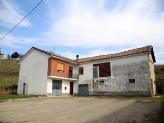 Foto 1 di Rustico / Casale Canelli