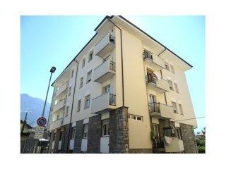 Foto 1 di Trilocale Via Abbé Henry, Aosta
