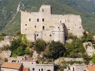 Foto 1 di Appartamento via Roma, Castelvecchio di Rocca Barbena