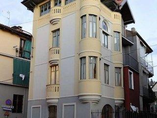 Foto 1 di Casa indipendente via MARTIRI DELLA LIBERTA', frazione Oltre Po, San Mauro Torinese