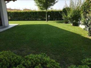 Foto 1 di Villa strada Agazzana, Piacenza