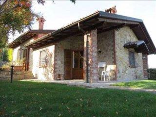 Foto 1 di Villa Frazione Rezzanello, Gazzola