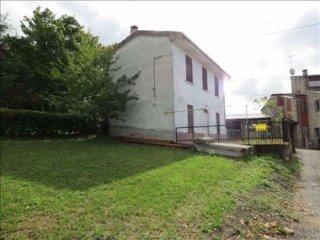 Foto 1 di Villa Località Strarivo, Farini