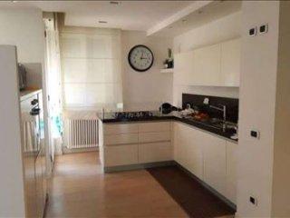 Foto 1 di Appartamento via Pietro Cella, Piacenza