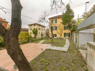Foto 1 di Villa via San Quirico, Genova (zona Bolzaneto)