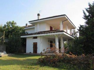 Foto 1 di Villa via Scarrone snc, Priocca