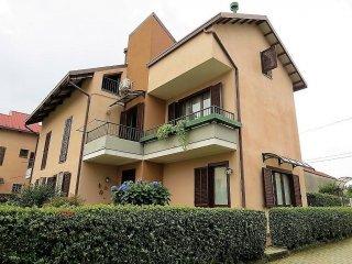 Foto 1 di Villa via Magnoni, 28, Villanova Canavese