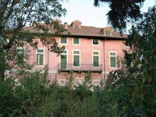 Foto 1 di Palazzo / Stabile via San Giuliano, Sale