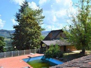 Foto 1 di Villa strada Bergolo 28, Cortemilia