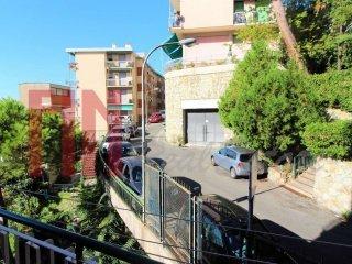 Foto 1 di Attico / Mansarda via Santolini, Genova (zona San Fruttuoso)