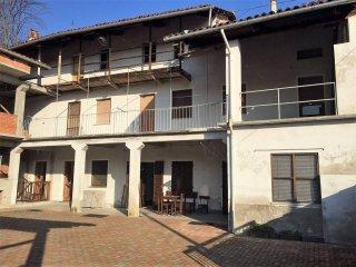 Foto 1 di Casa indipendente vicolo del Forno, Perosa Canavese
