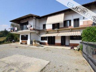 Foto 1 di Villa strada Brandin 16, Bricherasio