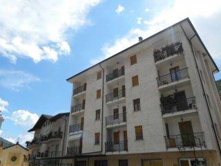Foto 1 di Trilocale Via Vittorio Veneto, 26, Frassino
