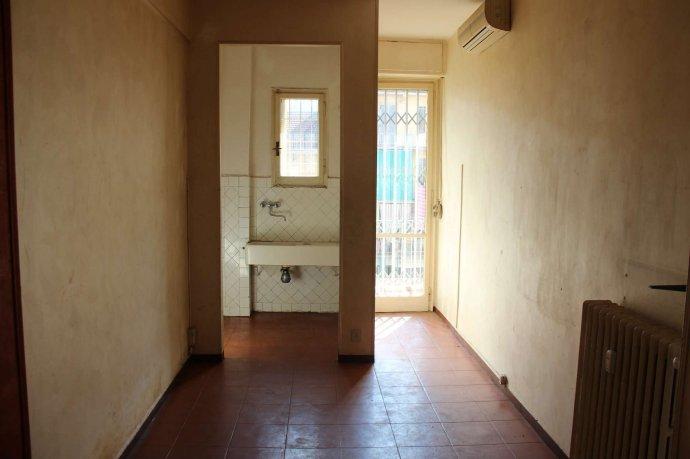 Foto 5 di Bilocale via Alpignano  12, Torino (zona Cit Turin, San Donato, Campidoglio)