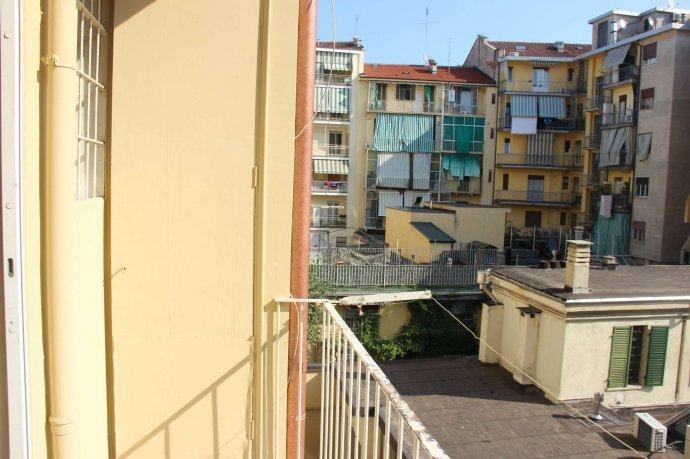 Foto 15 di Bilocale via Alpignano  12, Torino (zona Cit Turin, San Donato, Campidoglio)