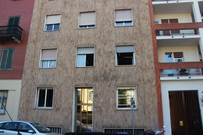 Foto 17 di Bilocale via Alpignano  12, Torino (zona Cit Turin, San Donato, Campidoglio)