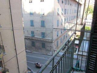 Foto 1 di Bilocale via Venezia, Genova (zona Oregina-Granarolo, Di Negro)