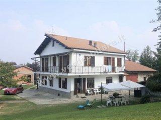 Foto 1 di Casa indipendente Rocca D'arazzo