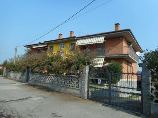 Foto 1 di Quadrilocale via 24 Maggio, Cavagnolo