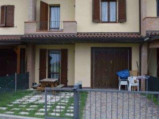 Foto 1 di Villetta a schiera via di Sesto 4, Imola