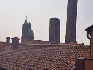 Foto 1 di Attico / Mansarda via Francesco Rizzoli, Bologna (zona Centro Storico)