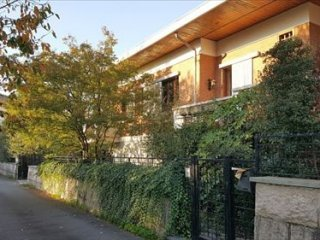 Foto 1 di Villa CORSO GARIBALDI,155, Gattinara