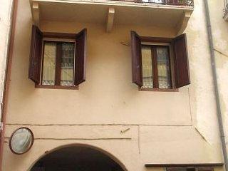 Foto 1 di Stabile - Palazzo VIA BERTELETTI,1, Lozzolo